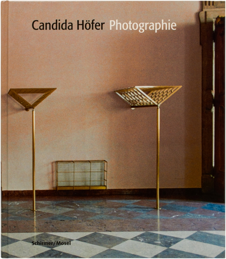 Photographie (Signed First Edition). Candida Höfer.