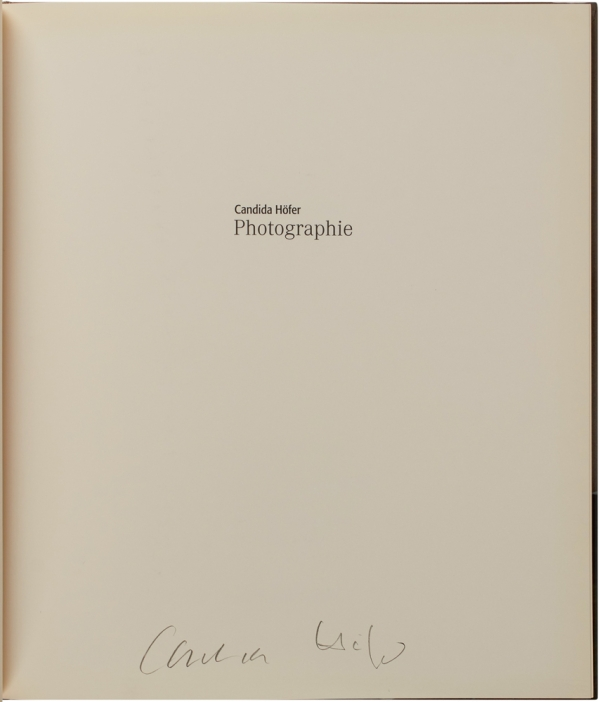 Photographie (Signed First Edition).